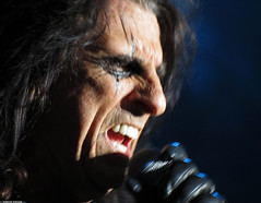 20120808_07 Alice Cooper at Liseberg | Gothenburg, Sweden (ratexla) Tags: show life people musician music man blur men guy celebrity rock musicians gteborg person concert blurry europe artist tour rockstar sweden earth live famous gothenburg gig performance guys dude entertainment human liseberg artists rockroll horror shock celebrities sverige celebs rocknroll musik dudes scandinavia celeb humans scandinavian konsert 2012 alicecooper goteborg tellus homosapiens organism storascenen photophotospicturepicturesimageimagesfotofotonbildbilder notintheeternityset canonpowershotsx40hs 8aug2012