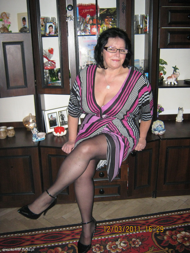 lonedell milf women Lonedell's best 100% free milfs dating site meet thousands of single milfs in lonedell with mingle2's free personal ads and chat rooms our network of milfs women in lonedell is the perfect place to make friends or find a milf girlfriend in lonedell.