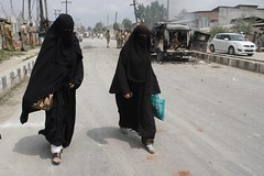 Protests mark Eid-al-fitr in Kashmir (Burhaan Kinu) Tags: hijab niqab