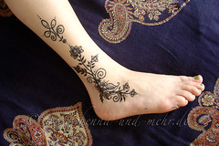 leg painted with some of my  designs (olga_rashida) Tags: berlin art painting foot kunst bodypainting mehendi pied bodyart mehndi tatuaggio hennatattoo fus mehandi krperbemalung mehndidesign  lacca peinturecorporelle khidab hennadesign  hennamalerei tatouageauhenn hennabemalung kunstamkrper httpwwwhennaundmehrde bemalungmitkhidab