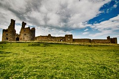 Dunstanburgh Castle (21mapple) Tags: panorama panoramic landscape nationaltrust northumberland englishheritage dunstanburghcastle dunstandburgh castle ruins medieval alnwick canon750d canoneos750d canon sigma outdoor archway