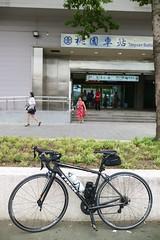 桃園車站.這台第一次來 (nk@flickr) Tags: 20160910 taiwan cycling 台湾 taoyuan 桃園 台灣 canonefm22mmf2stm