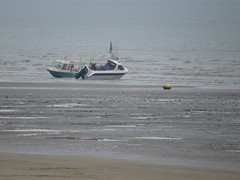 3545 09:38 the sea surrounds the boats (Andy panomaniacanonymous) Tags: 20160818 aaa anglersboat bbb beach boat kent littlestoneonsea romneysands sand sss