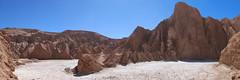 """Le désert d'Atacama: un mini salar à l'entrée de la Vallée de la Mort <a style=""""margin-left:10px; font-size:0.8em;"""" href=""""http://www.flickr.com/photos/127723101@N04/29115402602/"""" target=""""_blank"""">@flickr</a>"""