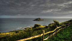 The Mewstone from Wembury Point, S. Devon (suerowlands2013) Tags: mewstone wemburypoint devon lastlight endoftheday coastpath sea sky seascape cloud eveninglight