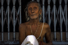 Inside the Temple (Enricodot ) Tags: enricodot brahmin people persone portrait portraits street streetphotographer pray pace