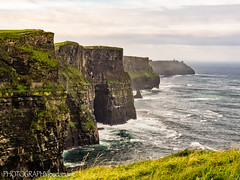 CLIFFS OF MOHER (PHOTOGRAPHY|bydamanti) Tags: countyclare ireland ie cliffsofmoher coast ocean haze cliffs