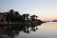 Menorcan sunrise (Anduze traveller) Tags: spain balares menorca minorca mnorque addaia sunrise dawn aube leverdusoleil reflections reflets sunny clearweather fine