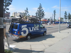 KTLA 5 newsvan at Anime Expo (jim61773) Tags: losangeles 5 animeexpo ktla newsvan tvnews