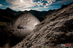 Doline (andyparant.com) Tags: mountain beautiful bike sport horizontal turn landscape big nice nikon ranger ride hole action wizard background flash tokina mtb tignes pocket distance paysage bicyclette rider freeride beau vtt vlo trou strobe rx joli pw clairage d300 elinchrom 1116 doline strobist strobisme bricegaget