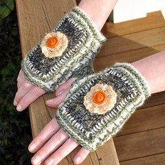 Vintage wook fabrics + crochet Mitts (Kiwi Little Things) Tags: