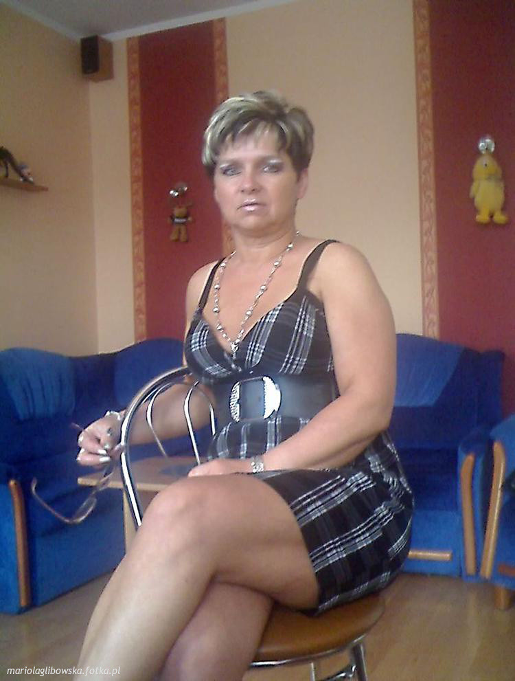 Hot Moms Mature 18
