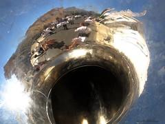 della serie BUON FERRAGOSTO ... n. 4 (Maria Grazia Marrulli) Tags: dellaseriebuonferragosto trombone strumentimusicali riflesso reflection réflexion reflet paesaggiourbano tradizione festapatronale luminarie musica bandamusicale bandacittàdisquinzano musicisti uomo man homme hombre donna femme woman mujer mg autoritratto cielo blu blue bleu inmovimento surreale ricordi canondigitalixus870is lamiaprimamostrapersonale pulsano taranto puglia italia circolomicromosso consolatodipuglia imieiluoghi
