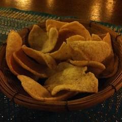 ข้าวเกรียบกุ้ง | Prawn Rice Cracker @ ขันโตกวิวน้ำ | Khantoke Viewnam