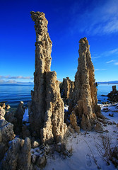 Mono Lake's Tufa Towers (Dave Toussaint (www.photographersnature.com)) Tags: california travel november blue winter sky usa lake snow tower nature water northerncalifornia photoshop canon landscape photo skies photographer cs2 picture calcium clear adobe limestone geology monolake tufa zero degree 2010 adjust infocus leevining denoise 60d topazlabs photographersnaturecom davetoussaint mygearandme mygearandmepremium flickrstruereflection1 flickrstruereflection2 flickrstruereflection3