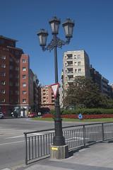 El Camino Primitivo (Jusotil_1943) Tags: santiago camino fences barandilla seales trafico oviedo farola hierro