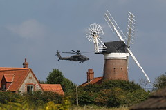 AH-64 Apache from Weybourne Garden (11) (Rowettia) Tags: norfolk uk weybourne weybournegarden aircraft apache ah64