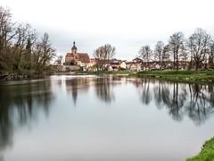 Lauffen am Neckar-3 (olipennell) Tags: badenwrttemberg flus lauffen neckar lauffenamneckar deutschland de longexposure langzeitbelichtung river