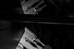 Los Angeles (Rinzi Ruiz [street zen]) Tags: candid blackandwhitestreetphotography fujifilmxt1 5yearsofxseries bw monochrome art rinziruiz fujifilm23mm14 streetphoto losangelesstreetphotography streetphotography california streetzen usa blackandwhite fujifilmxus fujifilm urban