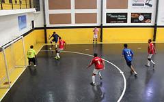 Tentativa de ataque (PortalJornalismoESPM.SP) Tags: preto amarelo marcao futsal bola quadra