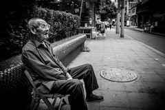As that time approaches all that is left are the memories. Make yours special (Rob-Shanghai) Tags: street portrait shanghai china old man sitting leica leicaq mono