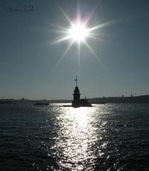 Maiden's Tower, Istanbul, Turkey (SvKck) Tags: light sea sun mer reflection tower sol turkey soleil mar meer mare torre tour trkiye trkei sole turm sonne   deniz strait byzantine bosphorus trme torri boaz turchia gne  maidenstower bosporus bosphore yansma kzkulesi   skdar    ik stambul bsforo osmanl   bizans islambol stamboul islambul leanderturm qzqalas ottomanstyle       tourdelandre torredileandro meisjestoren istanbulfreephotography me2youphotographylevel1 maagdetoring