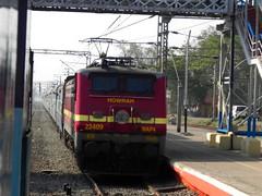 Poorva Express (Smeet Chowdhury) Tags: ir express 12304 digitalcameraclub irfca 22409 hwh mankar wap4 poorva alltypesoftransport panoramafotogrfico ndlshwh