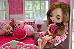 Barbie rodeada de croche lindo da Lu Posch !