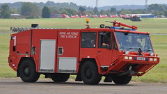 Alvis Unipower Rapid Intervention Vehicle - Royal Air Force Fire & Rescue - RAF Benson Familes Day 2012 (Rob Lovesey) Tags: rescue fire day force air royal vehicle benson rapid raf alvis 2012 intervention familes unipower