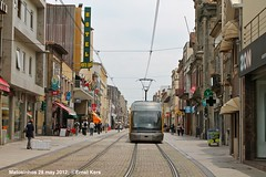 Rua Brito Capelo (ernstkers) Tags: eurotram streetcar tram tramvia tranvia trolley lightrail metrodoporto porto portugal strasenbahn matosinhos mplinhaa bonde spårvagn