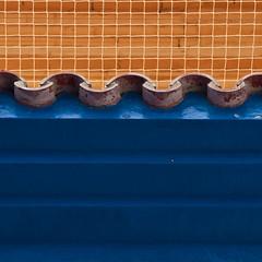 ◠◡◠◡◠ (zecaruso) Tags: valencia museudebellesartsdevalència museodebellasartes sanpíov santpiusv rete grid tegole tiles nikond300 zecaruso zeca ze ze² zequadro cicciocaruso