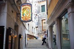 Getting Lost in Venice (cookedphotos) Tags: canon 5dmarkii travel italy venice venezia streetphotography street stairs gondolier bistrotdivenise sign ristorante bar enoteca