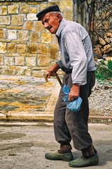 Carry That Weight! (Alfred Grupstra Photography (bussy until 30 octobe) Tags: man streetlife pustec qarkuikors albani al