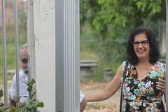indo Olindar (luandacalado) Tags: fathers padres woman men person persona mujer hombre casa garden jardn olinda pernambuco brasil nordeste canon eos eost3 rebel foco manual