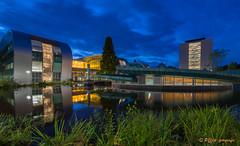 Radboud Universiteit Nijmegen (www.petje-fotografie.nl) Tags: gebouwen gelderland nijmegen universiteitnijmegen blauweuur reflectie