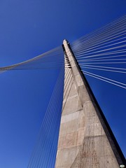 A ponte dos tirantes (6) (juantiagues) Tags: puente tirantes cielo azul juantiagues juanmejuto