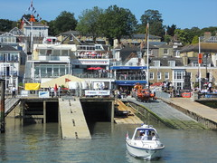 Queen visits Cowes, Isle of Wight. (davidezartz) Tags: pink blue trees w