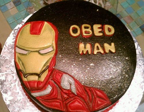 Iron man dimensional cake