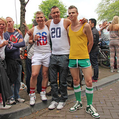 Gay Pride 2012 Amsterdam (Netherlands) (Meteorry) Tags: gay friends party holland cute sexy men netherlands amsterdam canal twins europe centre nederland posing gear august center sneakers trainers nike prinsengracht shorts gaypride amis paysbas centrum lesbos hommes 2012 canalpride sportswear mecs meteorry lesbiennes skets gaypride2012