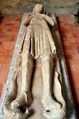 Gisant d'Hasculphe de Subligny - Abbaye de la Lucerne (Philippe_28 (maintenant sur ipernity)) Tags: france abbey sainte normandie 50 lucerne normandy manche trinit abbaye gisant subligny lalucernedoutremer prmontrs hasculf