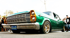 Encontro Lowrider SP (Diogo Frana) Tags: brazil black car bike brasil mxico ar interior wells galaxy sp carro estilo rua rap impala lowrider cultura 2012 caprice rodas pesadelo modificado suspenso