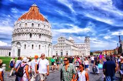 Italy Pisa Square of Miracles August 2012 (Smo_Q) Tags: italien italy italia pisa italie piza leaningtowerofpisa   piazzadeimiracoli piazzadelduomo schieferturmvonpisa wochy    torrependentedipisa     krzywawieawpizie
