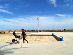 Paseo Martimo Torrevieja (Eu W) Tags: paseo promenade martimo sea mar mediterranean torrevieja carme pinos arquitectura beach playa