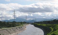 (Janis Grace Cabrera) Tags: zanjn de la aguada santiago cerrillos nubes clouds rio cables tendido electrico
