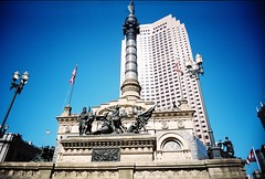 Soldiers and Sailors Monument, Public Square (gmbernstein) Tags: vivitarultrawideslim uws fuji 400 cleveland