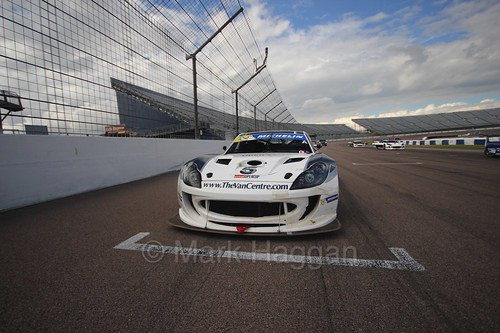 Fraser Robertson in the Ginetta GT4 Supercup at Rockingham, August 2016