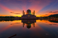 Rhythm Morning (zakies) Tags: likasmosque sabahsunset sabahborneo sabahlanscape sabahsunrise malaysia roll light praying reflection islam allah mbr mosque morninglight mohdzakishamsudin guidetosabah kotakinabalu visit lake mirror scenery floatingmosque
