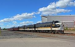 NS OCS in Salem: 2 (craigsanders429) Tags: norfolksouthern norfolksoutherntrains nsfortwayneline nsocs nsocstrain executivetrains nsexecutivetrain ns4271 ns4270 nsf9a f9a ns4275 nsf7b f7b passengertrains passengercars nspassengertrain salemohio tracks railroadtracks