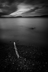 Los Chilcos fria tarde (christianhg) Tags: bw dark nd1000 1020 clouds beach villarrica pucn correntoso loschilcos longexposure chile