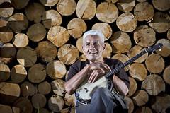 Grandpa_Banjo_02 (chadmrjones) Tags: canon is grandfather banjo 7d 28 usm 70200 strobist
